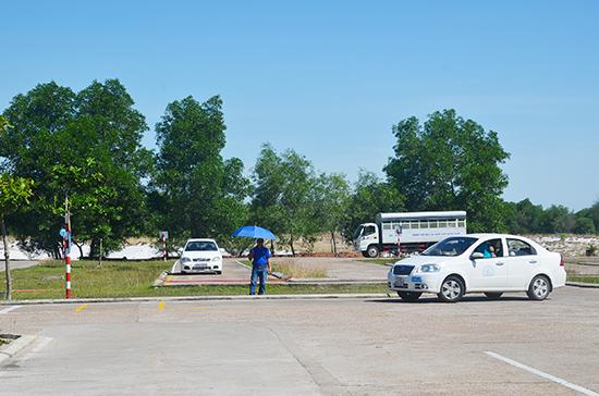 Sân tập thi thực hành tại Trung tâm Sát hạch lái xe Quảng Nam. Ảnh: THU CÚC