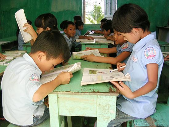 Những bất cập trong phân cấp quản lý đã cản trở giáo dục phát triển. Ảnh minh họa