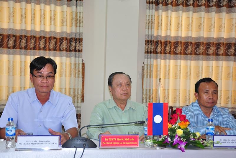 Assoc.Prof.Dr. Som Ock Kingsada (middle) at the event.