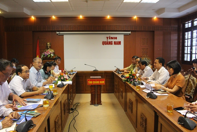 Local leaders meet and work with new Vietnamese ambassadors