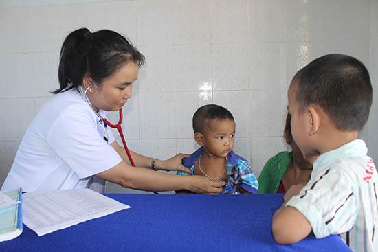 Bảo hiểm y tế toàn dân mang tính san sẻ cộng đồng.Ảnh: D.L