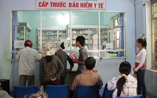 Quỹ khám chữa bệnh bảo hiểm y tế của tỉnh bị bội chi nghiêm trọng trong 6 tháng đầu năm 2017.Ảnh: H.L