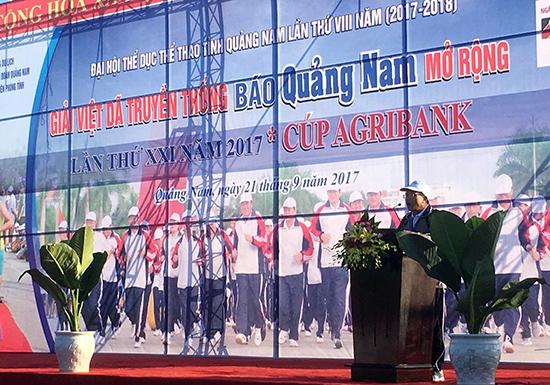 Ông Lê Văn Nhi - Tổng Biên tập Báo Quảng Nam phát biểu khai mạc.