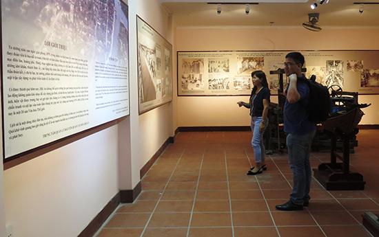 Những hình ảnh, hiện vật tại Bảo tàng Hội An đều được quản lý bằng các phần mềm lưu trữ.Ảnh: LÊ QUÂN