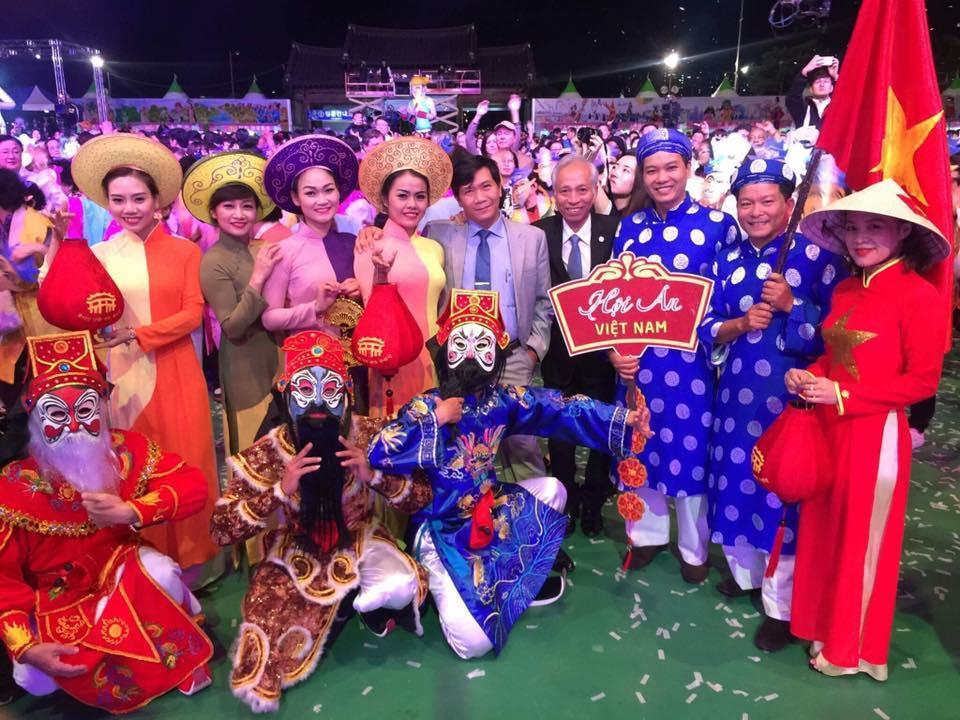 Đoàn nghệ thuật Hội An tại Lễ hội ở Hàn Quốc