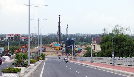 Đường dẫn cầu Cửa Đại là một trong những dự án PPP đang được triển khai ở Quảng Nam. Ảnh: T.DŨNG