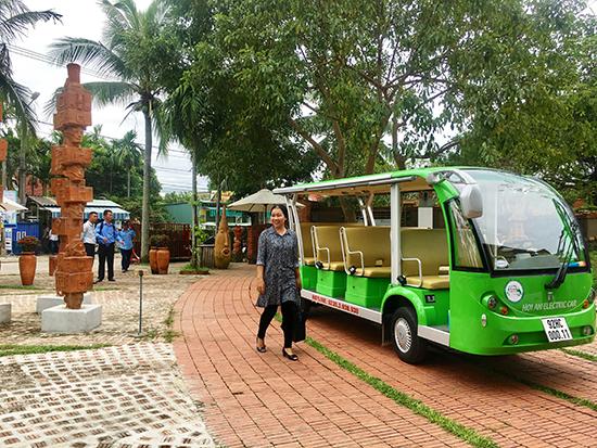 Xe điện sẽ tham gia phục vụ các tour tham quan của khách mời APEC.