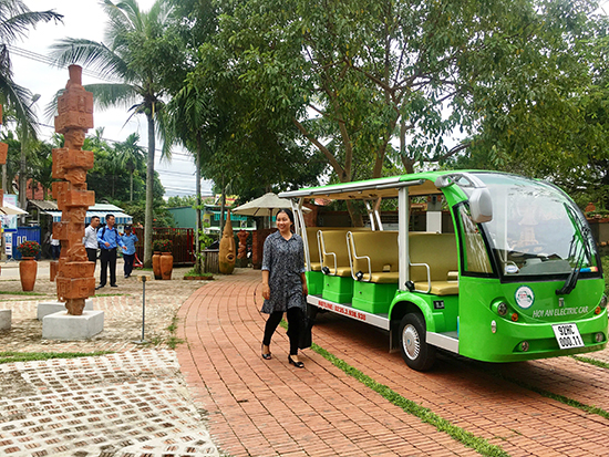 Electric cars available for APEC tours.