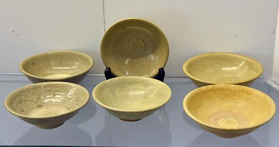 Gốm Chăm trưng bày tại Bảo tàng Bình Định.