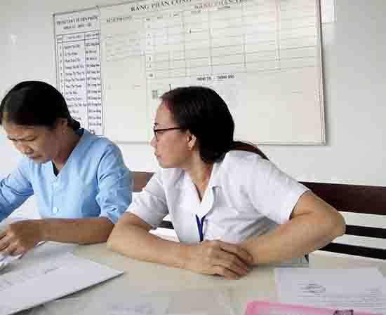 Cán bộ, nhân viên TTYT huyện Tiên Phước không đồng tình với kết luận của Thanh tra Sở Y tế, tiếp tục gửi đơn khiếu nại những vấn đề còn khuất tất. Ảnh: N.D