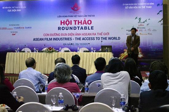 Thứ trưởng Bộ VH,TT&DL Vương Duy Biên phát biểu tại hội thảo