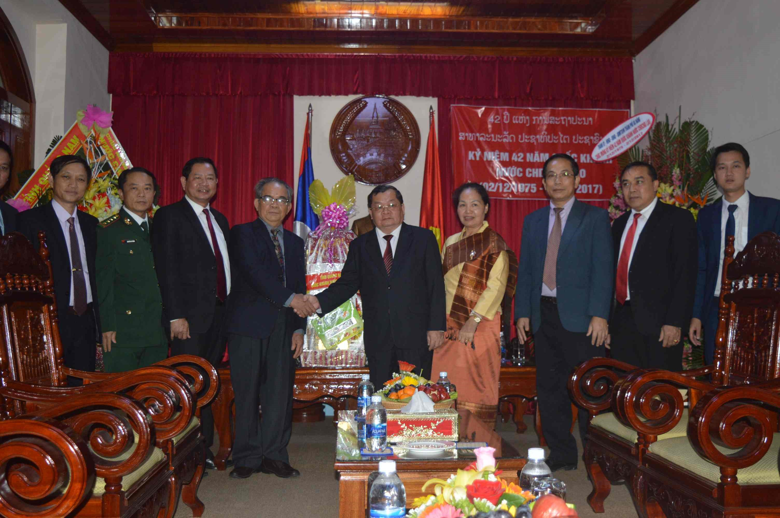 The representatives from Quang Nam province at Lao Consulate