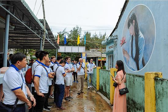 Làng bích họa Tam Thanh (Tam kỳ) đang trở thành điểm đến thu hút khách ở khu vực phía nam của tỉnh. Ảnh: HẢI HOÀNG