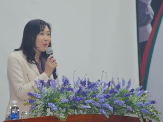 Bà Yoko Kamata phát biểu tại buổi lễ ký kết hợp tác.