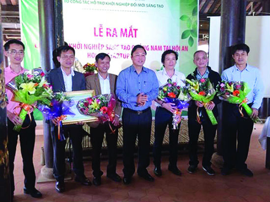 Vice Chairman of the Quang Nam provincial People s Committee Le Tri Thanh at the opening of Hoi An Startup Club.