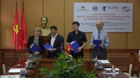Signing ceremony on collaboration of Viet Nam - Australia smart tourism pilot in Hoi An city. Photo: hoianworldheritage.org.vn