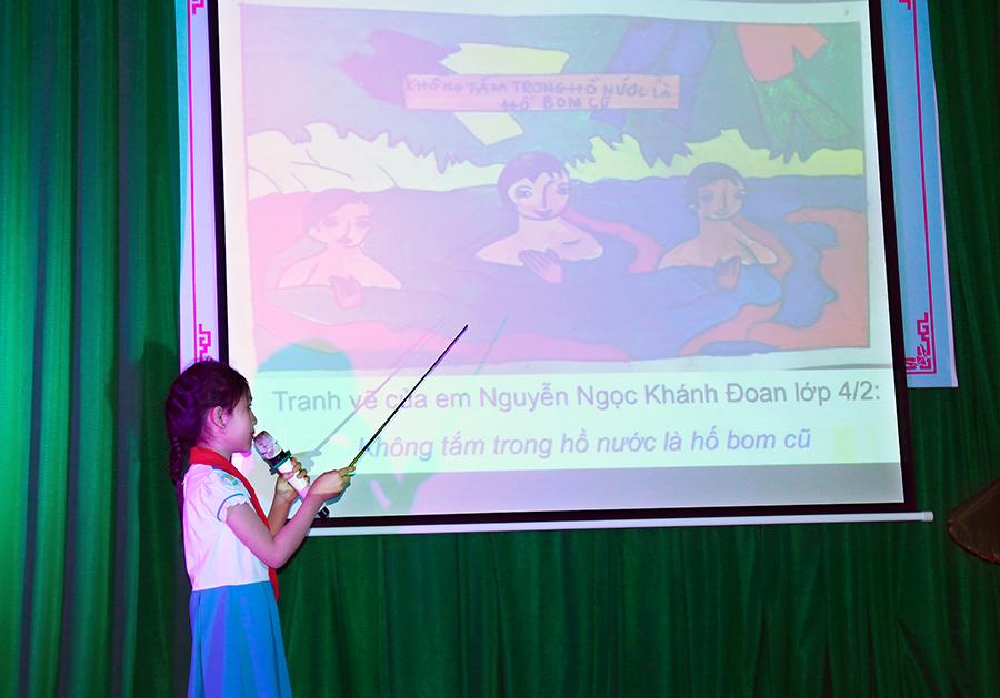 Nhiều thông điệp về PTTNBM được các em học sinh nêu ra thông qua các bức tranh. Ảnh: M.L