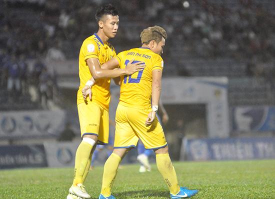 Đội bóng TP.Hồ Chí Minh trở nên đáng xem ở mùa giải 2018 sau khi Trần Phi Sơn (số 10) gia nhập.