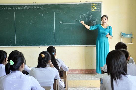 Dù liên tục tổ chức 2 kỳ thi tuyển trong năm 2017 nhưng các địa phương hiện nay vẫn thiếu giáo viên. Ảnh: XUÂN PHÚ