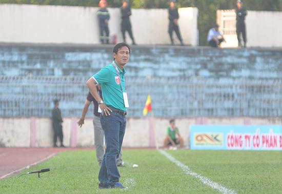 HLV Nguyễn Minh Phương sẽ giúp SHB Đà Nẵng thi đấu tốt hơn ở mùa giải 2018.