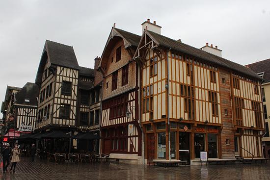 Các ngôi nhà cổ ở Troyes.