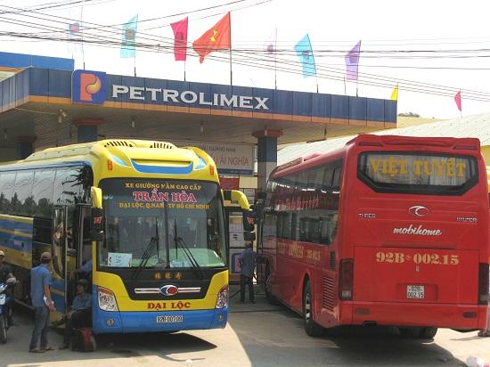Xe ô tô khách giường nằm chạy tuyến Quảng Nam đi TP.Hồ Chí Minh. Ảnh: CT