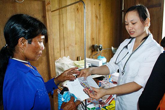 Đối với miền núi, TYT là nơi người dân tìm đến đầu tiên để chữa bệnh. Vì vậy, cần ưu tiên nâng cấp cho những nơi này để thực hiện cả 2 chức năng: khám chữa bệnh và y tế dự phòng.