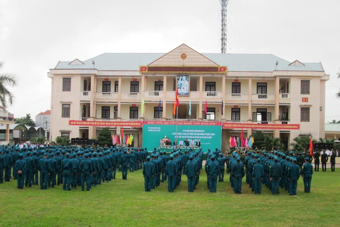Quang cảnh lễ ra quân huấn luyện ở huyện Duy Xuyên diễn ra sáng nay 1.3.