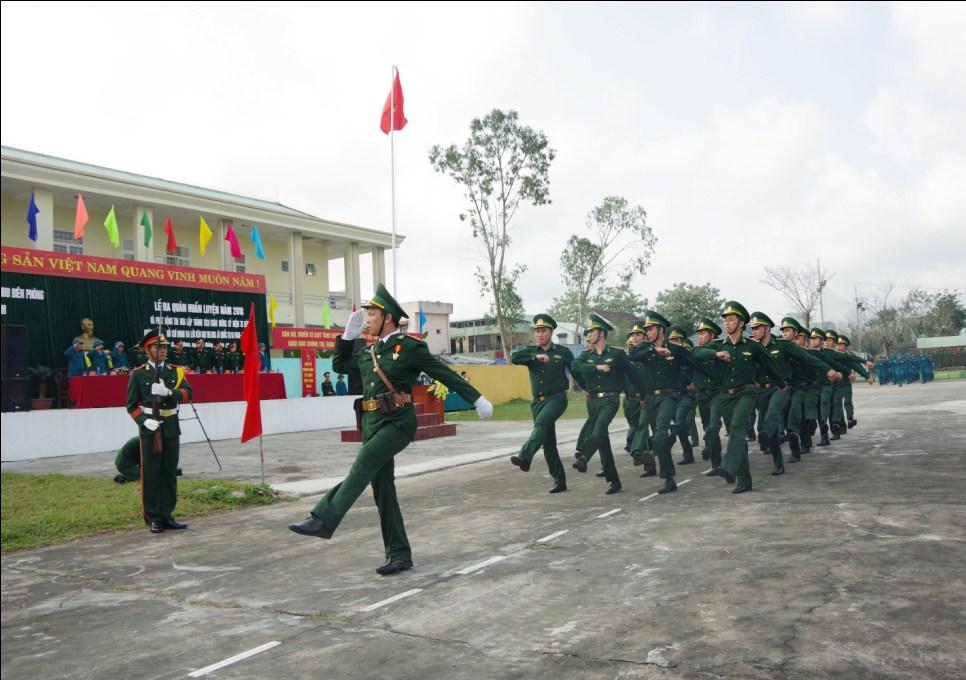 Khối Quân nhân chuyên nghiệp Bộ đội Biên phòng tỉnh diễu binh