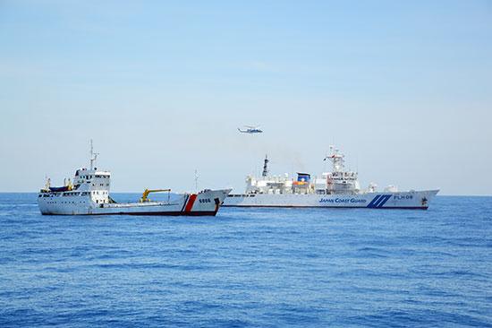Tàu Vùng CSB 2 diễn tập cùng tàu của lực lượng bảo vệ bờ biển Nhật Bản.