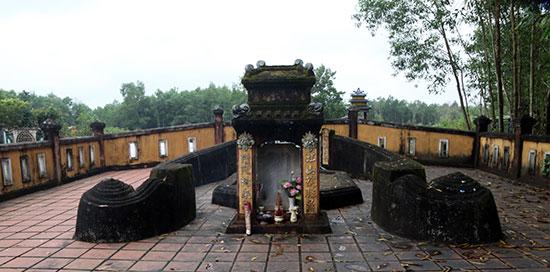 Khu mộ Đỗ Thúc Tịnh tại xã Hòa Khương, huyện Hòa Vang, Đà Nẵng. ảnh: Võ Hà