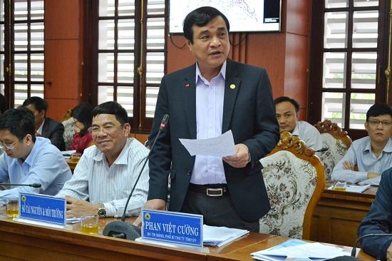 Phó Bí thư Thường trực Tỉnh ủy Phan Việt Cường kiến nghị Bộ GTVT khẩn trương giải quyết kiến nghị của địa phương và cử tri. Ảnh: CT