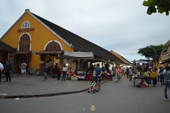 The 2nd night market in Hoi An (Photo: SGGP)