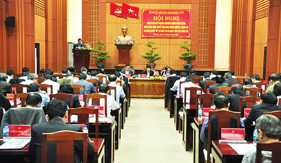 Ban Thường vụ Tỉnh ủy tổ chức hội nghị lấy ý kiến góp ý vào dự thảo kế hoạch, chương trình thực hiện Nghị quyết Trung ương 6 (khóa XII). Ảnh: HÀN GIANG
