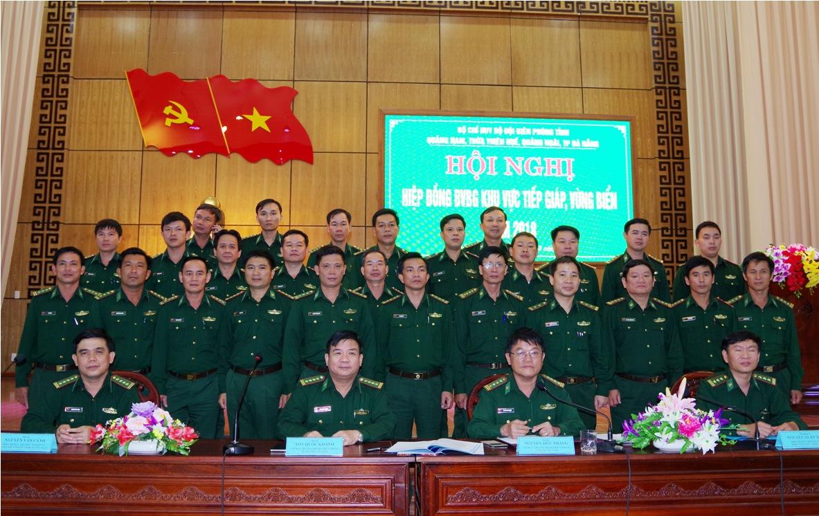 Các đơn vị ký hiệp đồng bảo vệ biên giới tiếp giáp năm 2018.