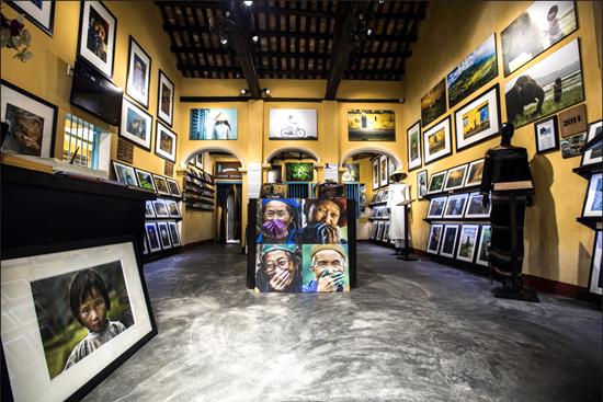 Một góc không gian của Bảo tàng di sản vô giá của nhiếp ảnh gia Réhahn
