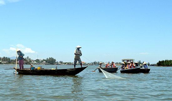 Điểm du lịch rừng dừa Bảy Mẫu Cẩm Thanh, Hội An là một trong 4 điểm du lịch hiện nay của Quảng Nam. Ảnh: VĨNH LỘC