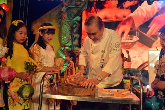Các đầu bếp quốc tế trổ tài tại Liên hoan ẩm thực Hội An