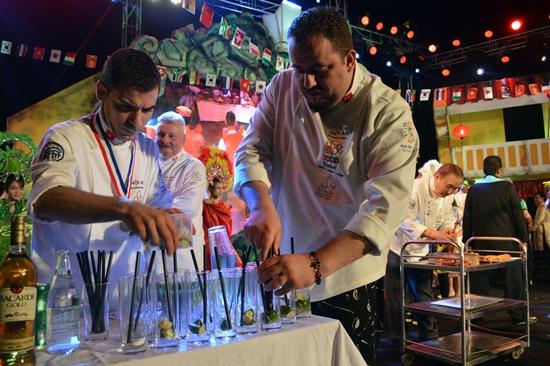 Các đầu bếp trình diễn pha chế tại Liên hoan ẩm thực quốc tế  Hội An 2018