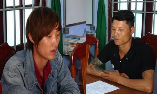 Đối tượng Điệp và Trung trong vụ trộm cắp hơn 200kg quả cau chín tại cơ quan điểu tra. Ảnh: M.T