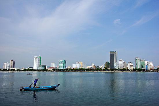Một góc thành phố Đà Nẵng. Ảnh: PHƯƠNG THẢO