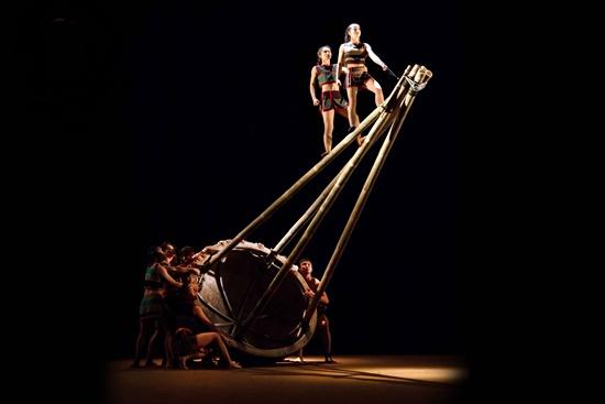 Vòng tròn sự sống và văn hóa ấy sẽ tiếp diễn bất tận trong Teh Dar
