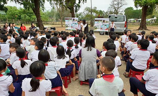Một buổi tuyên truyền phòng chống bạo lực, xâm hại tình dục tại trường học trên địa bàn TP.Tam Kỳ. Ảnh: VÕ LY