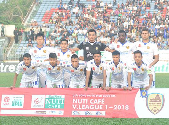 Đội hình đoạt chức vô địch V-League 2017 được giữ nguyên song Quảng Nam đang có bước khởi đầu đầy khó khăn tại mùa giải năm nay.