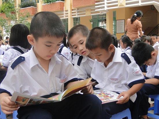Thói quen đọc sách giúp trẻ phát triển. Ảnh: Internet
