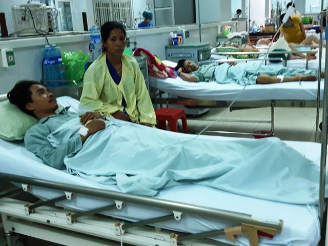 Nạn nhân Bnước Gheo, nạn nhân duy nhất sống sót trong vụ 5 người cùng uống rượu ngộ độc Methanol. Ảnh: TRIÊU NHAN