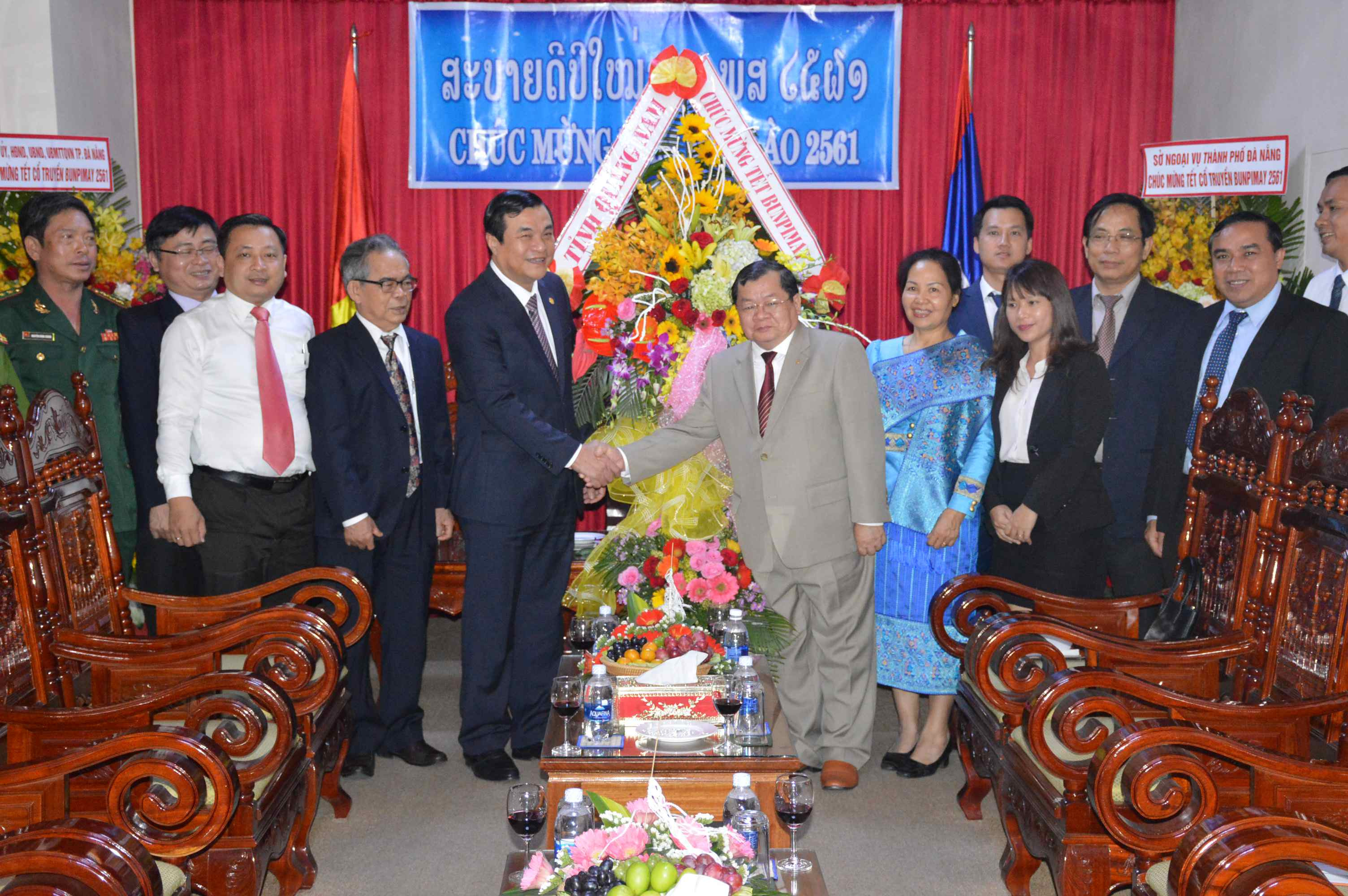 Mr Cuong sends his best wishes to the Consulate General of Laos in Da Nang city
