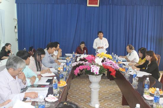 Phó Chủ tịch HĐND tỉnh Nguyễn Hoàng Minh chủ trì buổi giám sát tại Trường trung cấp nghề Bắc Quảng Nam. Ảnh: D.L