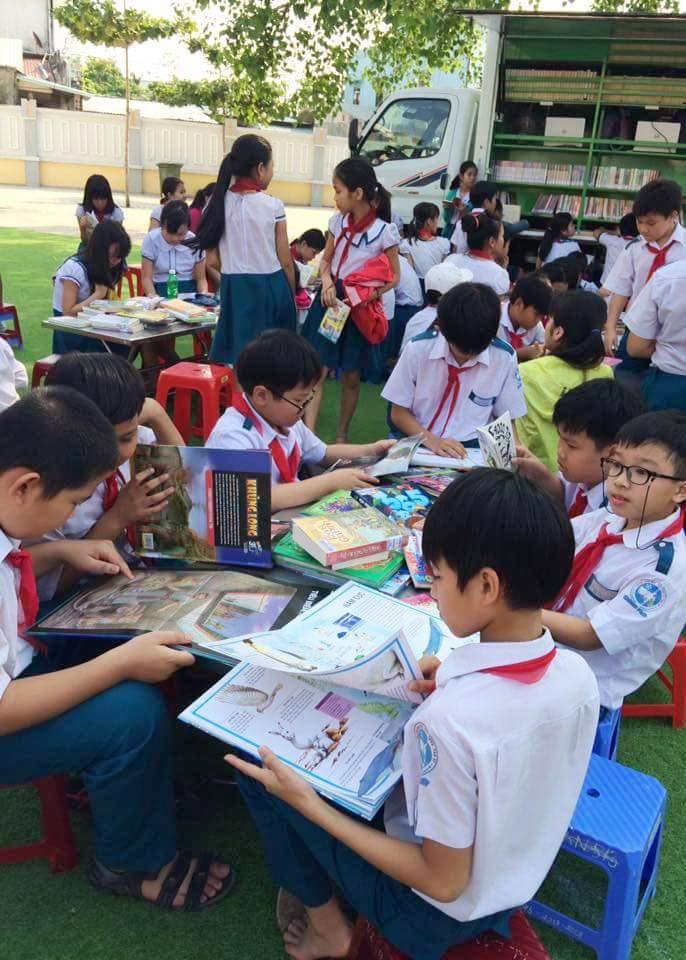 Học sinh Nông Sơn với ngày hội đọc sách. Ảnh: THIÊN THU