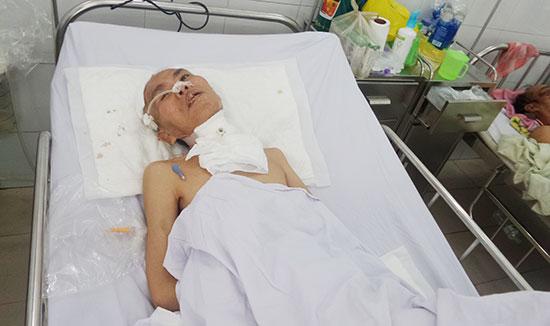 Ông Tân hiện điều trị tại Bệnh viện Đa khoa Đà Nẵng. Ảnh: B.N